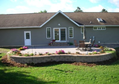 K & S LANDSCAPING PIC 2004 05 06 029